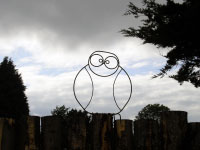 An wireframe owl